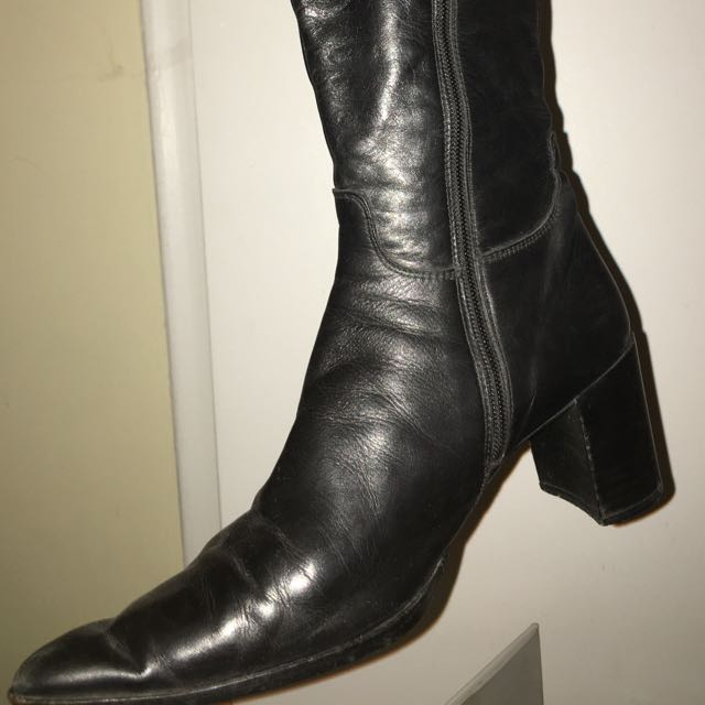 VINTAGE BLACK LEATHER BOOTS 7.5
