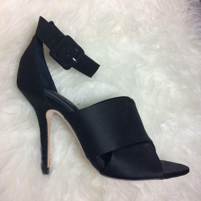 ZARA Basic Black Heels - 7.5 / 38