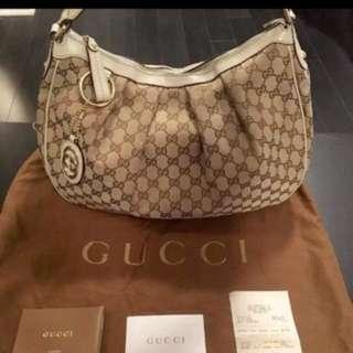 Beige Gucci Handbag medium, almost new
