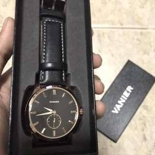 Vanier Classic Gentleman Fashion Laser Series Wristwatch