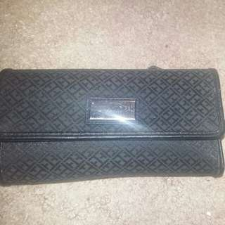 Tommy Hilfiger monogram wallet
