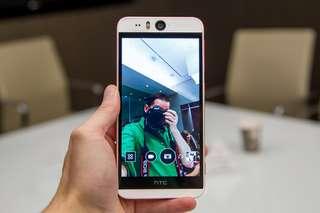 HTC Desire eye 紅白色 16gb 前鏡頭 1300 像素後鏡頭 2000 萬像素