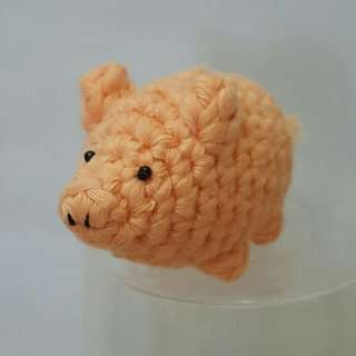 Pig Crochet/ Amigurumi with ornament/chain/strap options