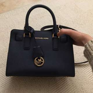 Michael Kors dillon black colour (A4 size)