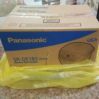 Panasonic SR-DE183 rice cooker
