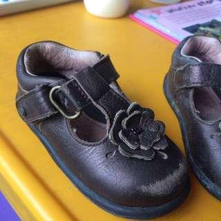 Stride rite leather shoe 9-12m