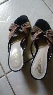 Sandal hilss