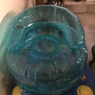 Inflatabke kiddie chair