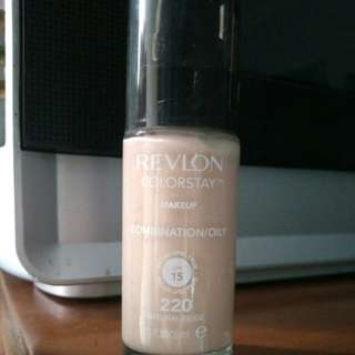 Revlon Colorstay Foundation (Preloved)