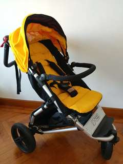 Mountain buggy swift with carrycot+