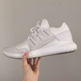 Mens adidas white tubular in size 11