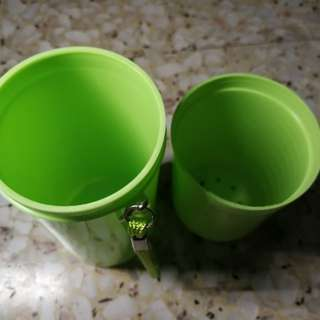 Travel wash cup and holder