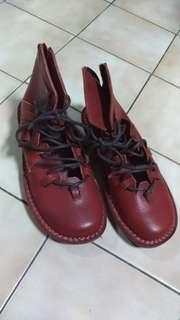 🚚 酒紅色短靴