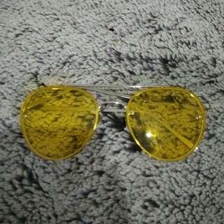Sunglasses retro yellow