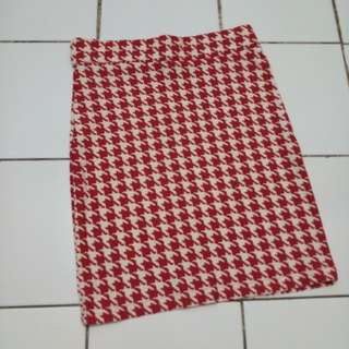 red houndstooth mini skirt