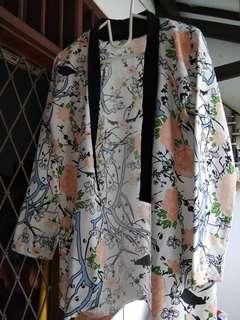 Flowery kimono outer