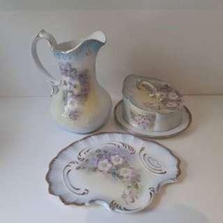 Various homewares(vases, jewellery box)