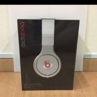 Beats Pro Dr Dre PRICE LOWERED DOWN, CHRISTMAS SALE!!!