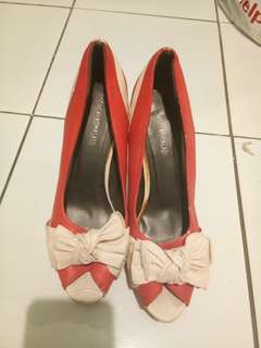 Bow tie pink high heels