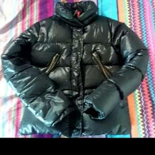 🚚 H&M黑色羽絨外套