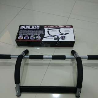 Door Frame Workout Bar