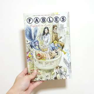 FABLES : Legends in Exile Book 1 [Paperback Comic]