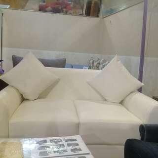 Di jual cepat sofa 2 dudukan minimalis