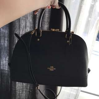 authentic coach purse never used!!!