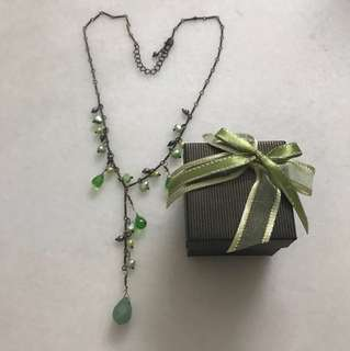 Pearls and crystal necklace - jade green colour