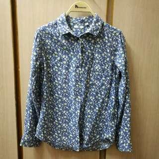 藍色花紏恤衫