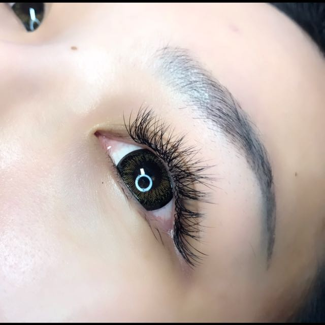 1092882216e 2-3D Volume Eyelash Extensions, Health & Beauty, Makeup on Carousell