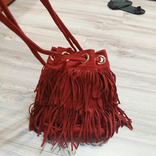 韓貨! 紅色麂皮流蘇水桶包