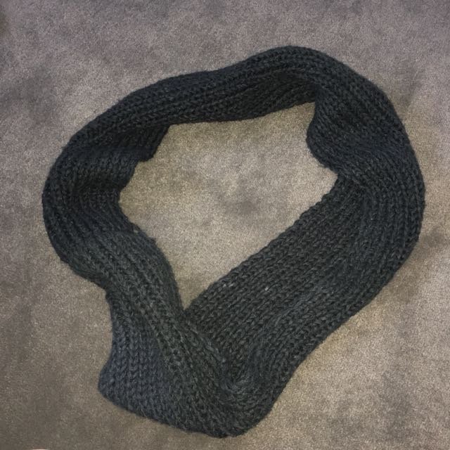 Black infinity scark