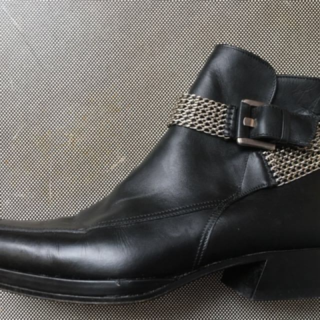 Black leather short boots - Size 7
