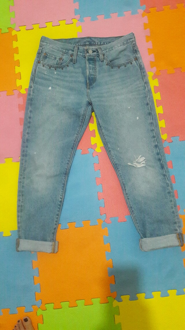 Brand New Levi's Mom's/BF Jeans