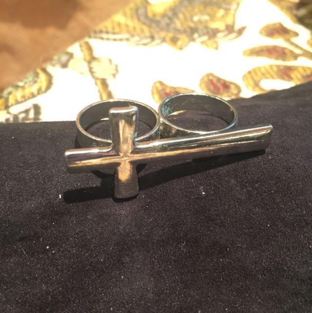 Cross Ring 🖇