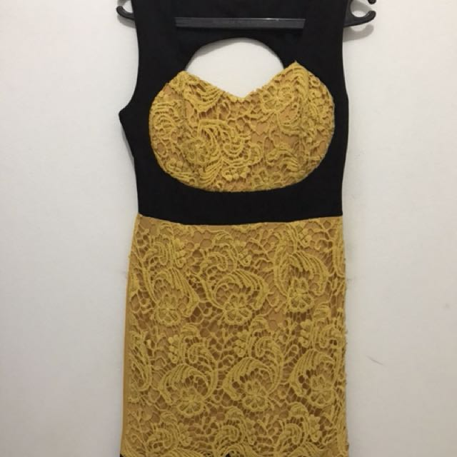 Dress Backless Yellowish