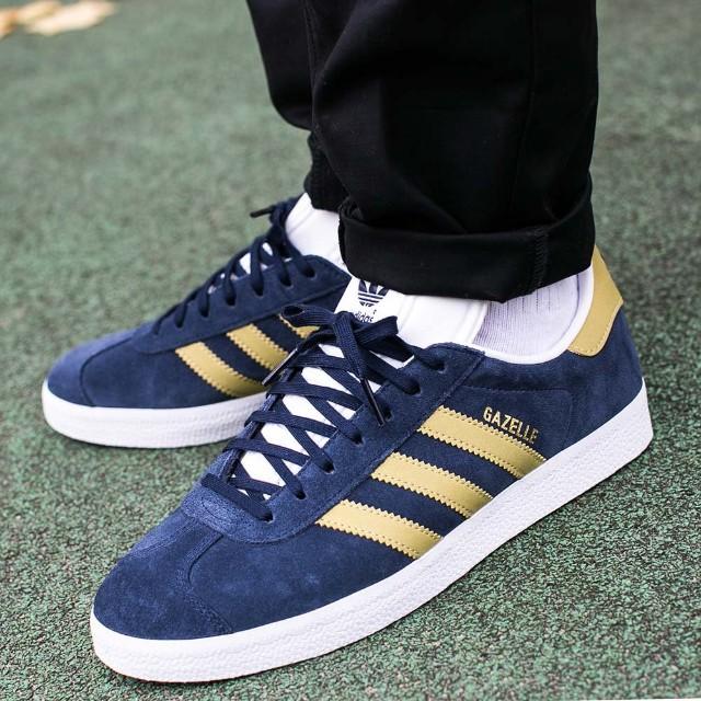 FAST!!) Adidas Gazelle Collegiate Navy
