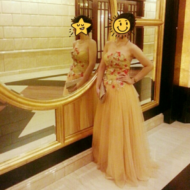 Gold long dress / gown party
