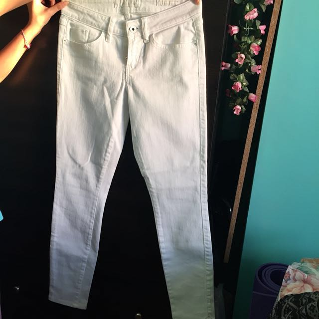 GUESS White Jeans (Brittney Skinny)