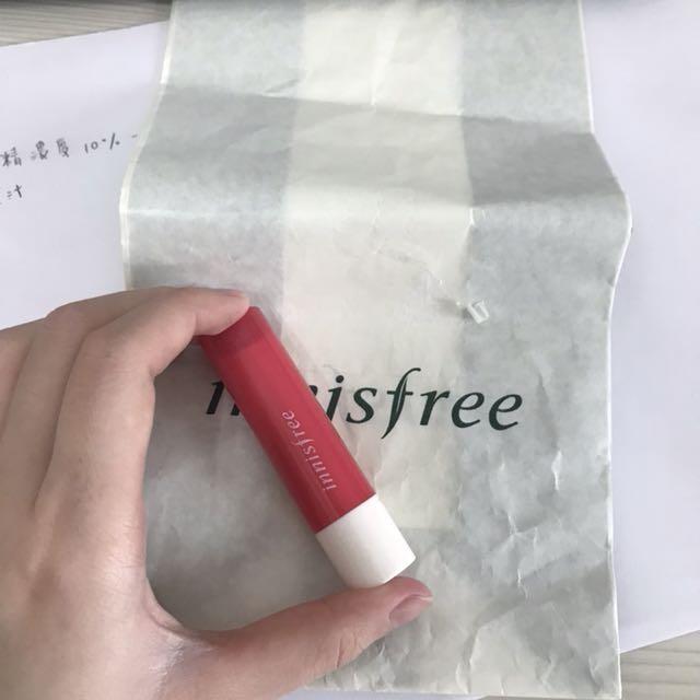 🧚🏻♀️出清🧚🏻♀️Innisfree 潤光炫彩護唇膏 no.2
