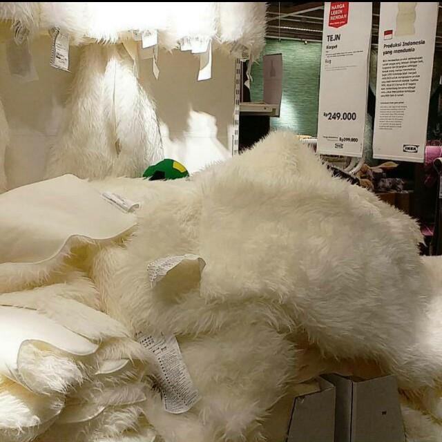 Karpet Bulu Putih Korea