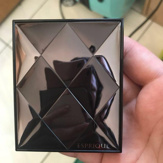 Kose esprique 幻粧 絢彩眼影盒