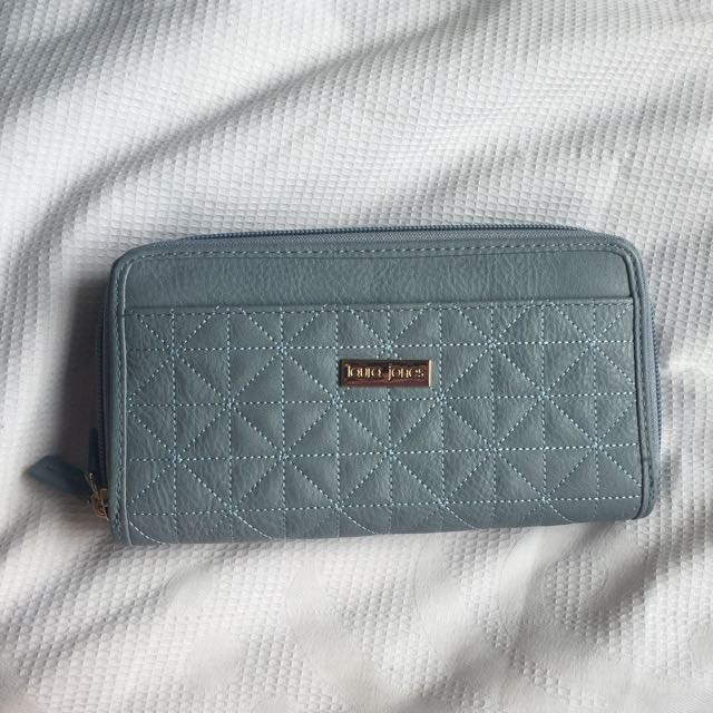 Laura jones wallet