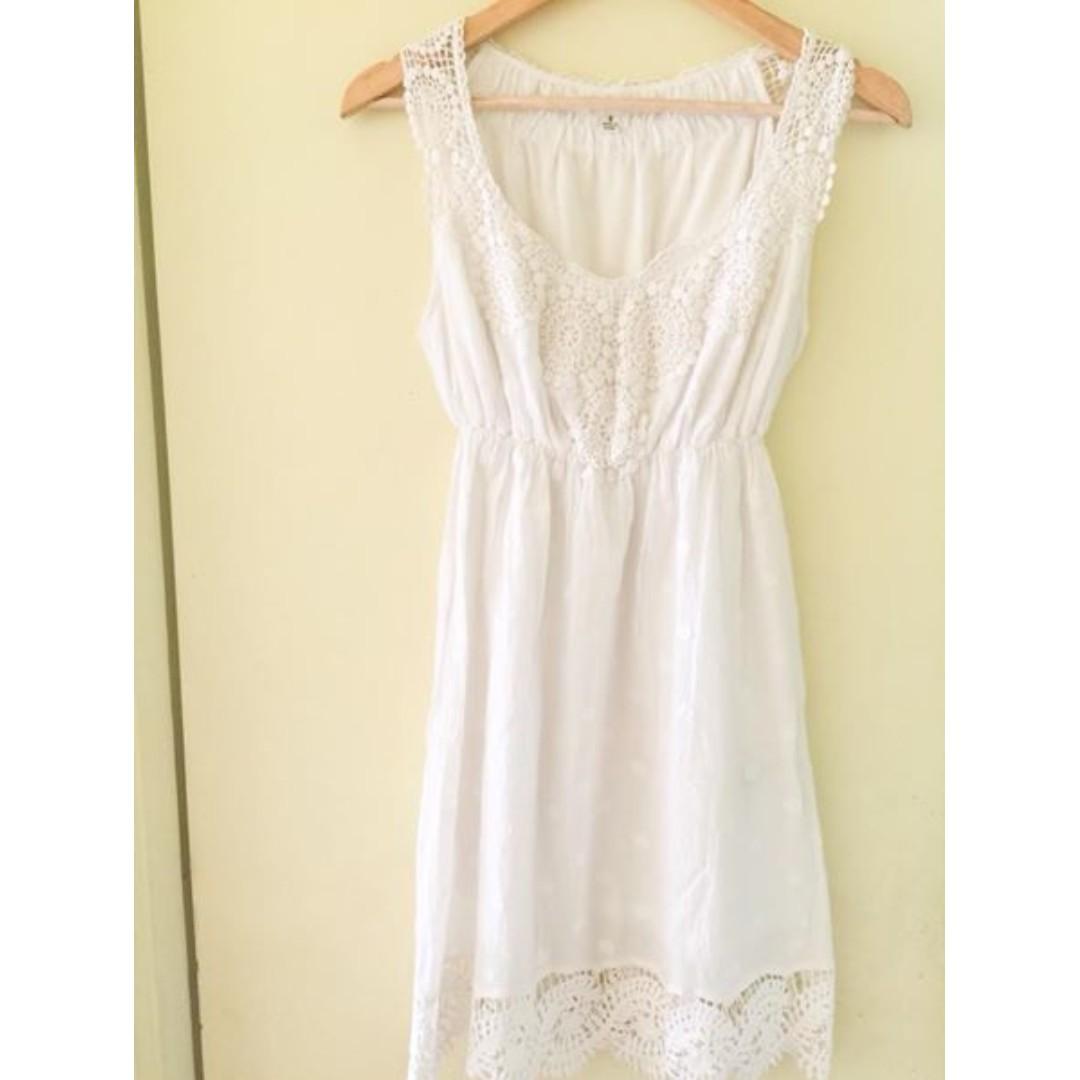 aaae3faac82 Max Studio White Dress