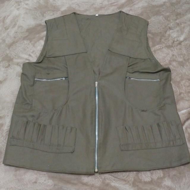 Militaty vest