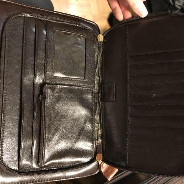 New Vintage Bellarose croc messenger bag/purse