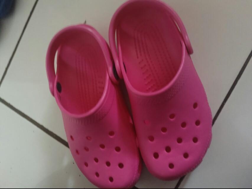 NWOT crocs ori pink