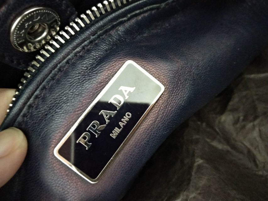 Prada suede.good condition pm me for detail!(nego)