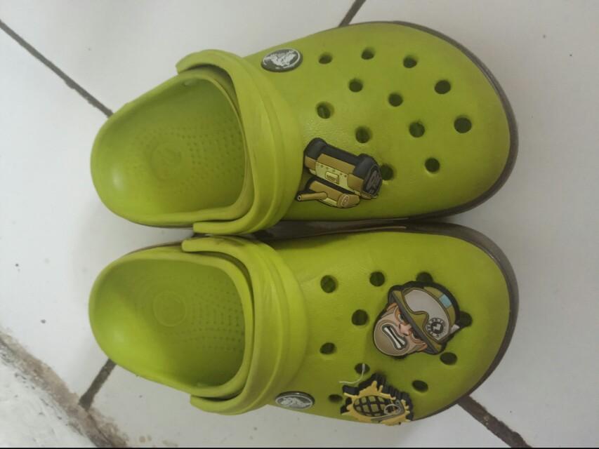 preloved crocs hijau